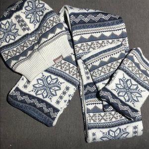 Mukluks hat, glove & scarf set